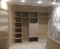 Встроенный шкаф внутри