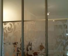 Раздвижная перегородка на кухню матовое и декоративное стекло (4)