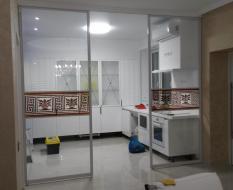 Прозрачная пергородка кухня-гостиная (2)
