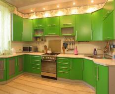 Зеленая кухня крашенный МДФ