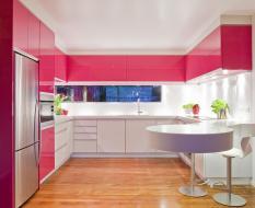Встроенная П-образная кухня МДФ