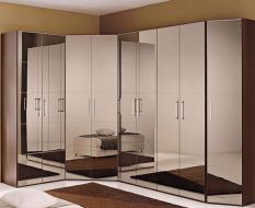 Зеркальные распашные шкафы