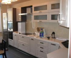 Кухня белая из массива