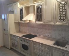 Кухня белая в классическом стиле, массив