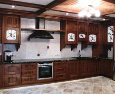 Кухня, массив дерева