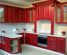 Кухня, крашенный массив, красная
