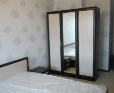 Распашной шкаф ЛДСП с зеркалом