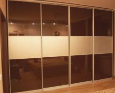 Шкаф-купе стекло с белыми вставками